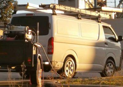 healthy-plumbing-van