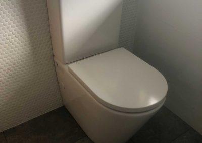 toilet-installation